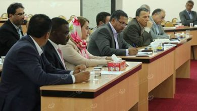 Photo of Parliamentarians invite members to attend session to discuss constitutional amendment to draft