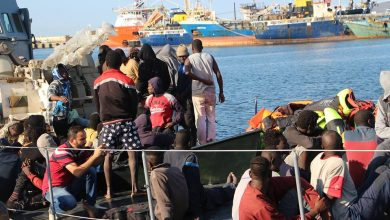 Photo of The Italian authorities allowed a migrant boat to disembark in the Sicilian port of Augusta